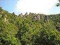 Felsenlandschaft neben der Burgruine * Rock formations - panoramio.jpg