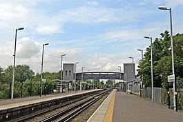 Footbridge, Bootle Oriel Road Railway Station (geograph 2995625).jpg