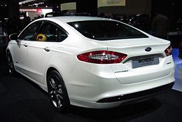 Ford Mondeo sedan (rear quarter).JPG