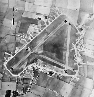 RAF Fulbeck - RAF Fulbeck during World War II, 18 April 1944.  About six weeks before D-Day, dozens of gliders are dispersed around the airfield.