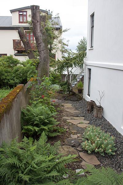 File Garden In Reykjav K City Wikimedia Commons
