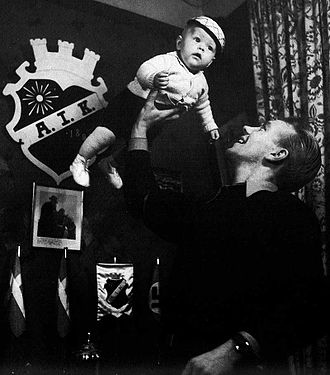 Henry Carlsson - Henry Carlsson and son (c. 1945)