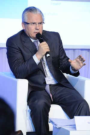 Garzón in the 20th Anniversary of Transparency International.jpg