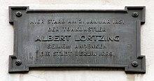Gedenktafel am Haus Luisenstraße 53 in Berlin-Mitte (Quelle: Wikimedia)