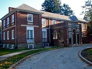 Glenside Memorial Hall - Glenside Memorial Hall from Keswick Avenue