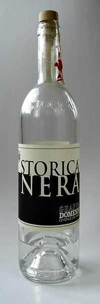 ファイル:Grappa Storica Nera Bottle.jpg