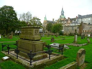 Ralph Erskine (minister) - Erskine's grave in Dunfermline
