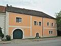 Gutshof 25699 in A-7091 Breitenbrunn.jpg
