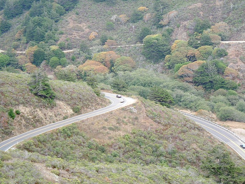 File:Hairpin turns, lots of up and down (10303374545).jpg