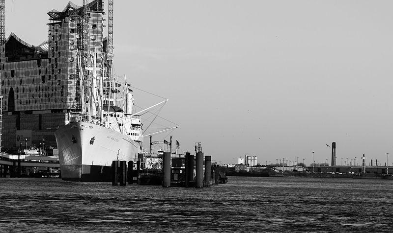 File:Hamburg, Hafen (8838908187).jpg