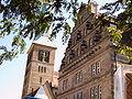 Hameln St. Nikolai und Hochzeitshaus.jpg