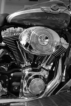 V-twin engine - Harley-Davidson Road King 45° transversely mounted V-twin.
