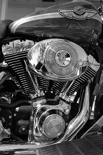V-twin engine - Harley-Davidson Road King 45° transversely mounted V-twin.