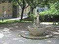 Haus Engerthstraße 60-74-Brunnen-01.jpg