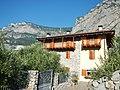 Haus im Sarca-Tal - panoramio.jpg