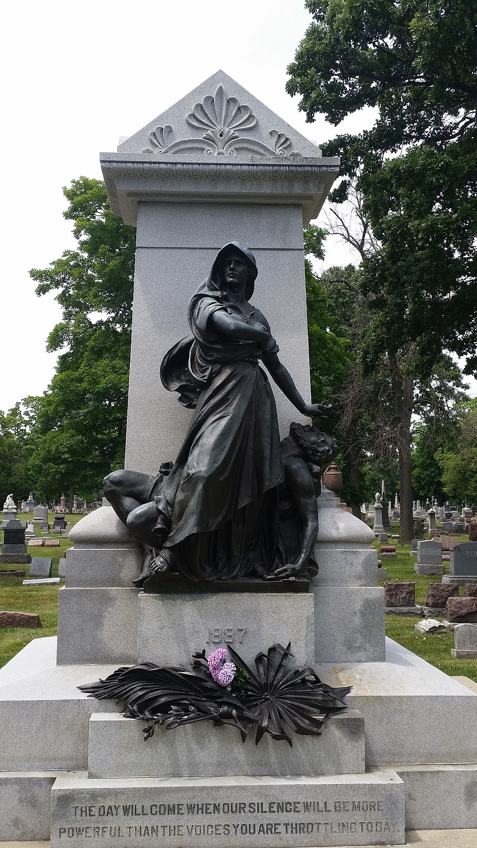 Haymarket-martyrs-memorial-Forest-Home-Cemetery-IL