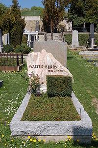 Heiligenstädter Friedhof - Walter Berry.jpg