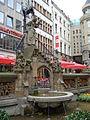 Heinzelmännchenbrunnen.JPG