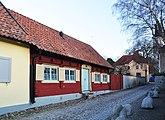 Fil:Helgeandshuset 6 7 fd5 Biskopsgatan 1b Visby.jpg
