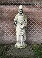 Helmond beeld bij kerk Lambertushof.jpg