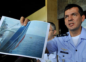 Air France Flight 447 - Lt. Col. Henry Munhoz describes the recovery of Airbus A330 wreckage from the ocean.