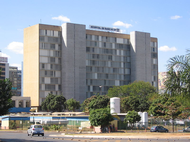 Ficheiro:Hospital de Base do DF 01.jpg
