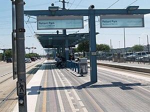 Stadium Park/Astrodome (METRORail station) - Image: Houston Reliant Park Station