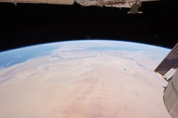 പ്രമാണം:ISS flies over Africa, the Mideast, and the Terminator line.ogv