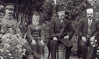 Ibrahim Biçakçiu - From left to right, General De Veer, Ibrahim Biçakçiu as a ten-year-old boy, Aqif Pasha Biçakçiu of Elbasan and Ali Agjah Bey of Elbasan