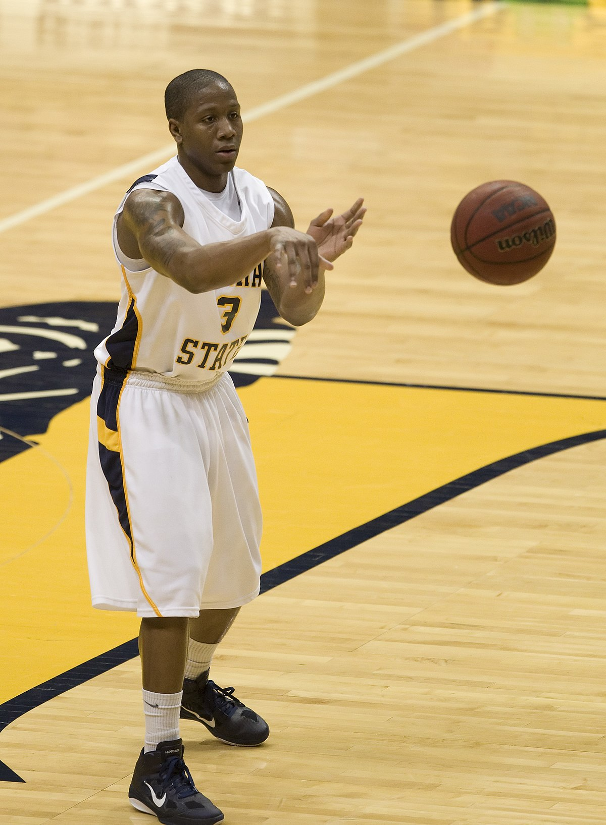 1200px Isaiah Canaan 2011 Murray State University Men%27s Basketball - Jeremy Lin
