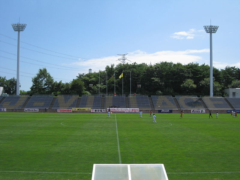 https://upload.wikimedia.org/wikipedia/commons/thumb/5/59/J_village_stadium.jpg/800px-J_village_stadium.jpg