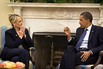 Arizona SB 1070 - Image: Jan Brewer Pres Obama