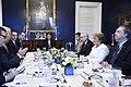Jefa de Estado participa en desayuno de trabajo con Vicepresidente de Estados Unidos (25901911700).jpg