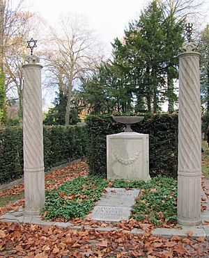 Paul Ehrlich - Ehrlich's grave in the Jewish cemetery on Rat-Beil-Straße in Frankfurt am Main