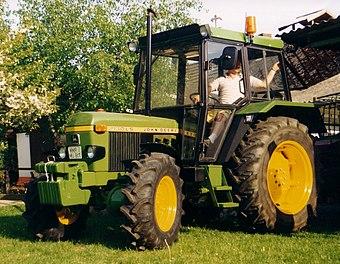 Traktorenlexikon: John Deere 2130 – Wikibooks, Sammlung freier Lehr ...