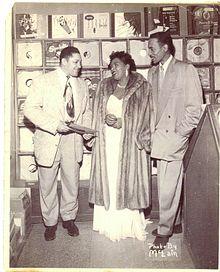 John Dolphin kaj Billie Holiday ĉe Of Holivudo de Dolphin