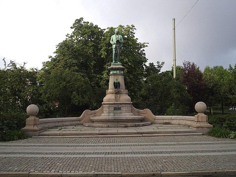 File:John Ericssons staty vid korsningen Nya allén och Kungsportsavenyn i Göteborg, den 2 sept 2006.JPG