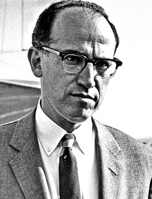 Jonas Salk - Jonas Salk at Copenhagen Airport (May 1959)