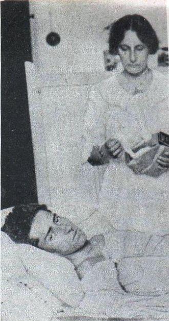 José Azueta - José Azueta, hospitalized (Archivo General de la Nación)