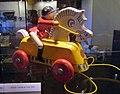 Jouet en bois articulé (exposition de jouets à Rebeq, Belgique).jpg