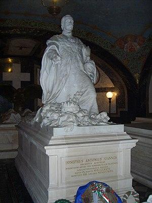Palatinal Crypt - Image: Jozsefnador palatin Hungary tombstone