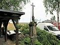 Kříž naproti domu 140 ve Starých Křečanech (Q104983724) 02.jpg