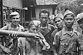 KNIL-militairen (tijdens een zuiveringsactie) De man linksvoor drink, Bestanddeelnr 455-4-6.jpg).jpg