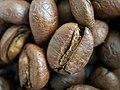 Kaffeebohnen Makro.jpg