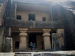 Kanheri Caves - cave n°1.jpg