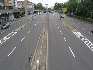 Lane - Transfer lanes, connecting surface collector lanes with through lanes between two tunnels