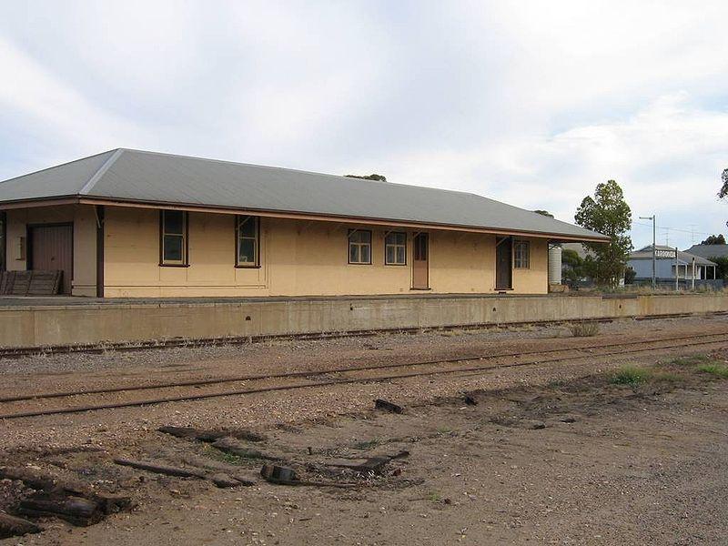 File:Karoonda railway.jpg