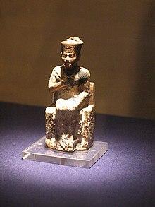 تمثال صغير لخوفو من أبيدوس.