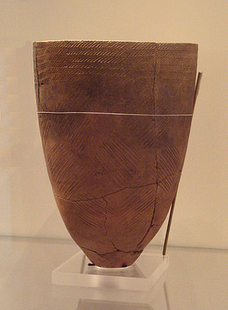 History of Korea - Korean earthenware jar with comb pattern; made 4000 BC, Amsa-dong, Seoul, now in British Museum