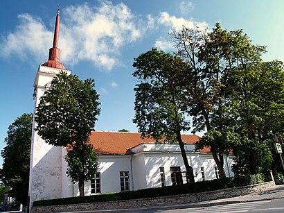 Kuidas ühistranspordiga sihtpunkti Kuressaare Laurentiuse Kirik jõuda - kohast